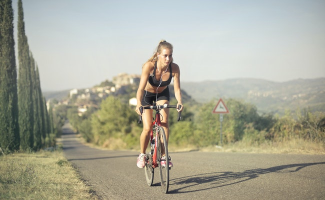 Read more about the article Does Cycling Burn Calories? | A Complete Guide (2021)